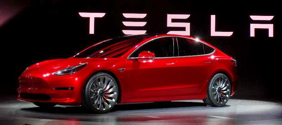 tesla offers lifetime insurance and maintenance to customers personal finance news. Black Bedroom Furniture Sets. Home Design Ideas